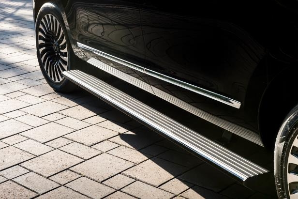 Slide 7 of 84: 2018-Lincoln-Navigator-Extended-Length-running-board.jpg