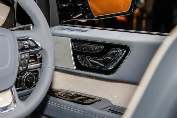 Slide 71 of 84: 2018-Lincoln-Navigator-interior-door-panel-1.jpg
