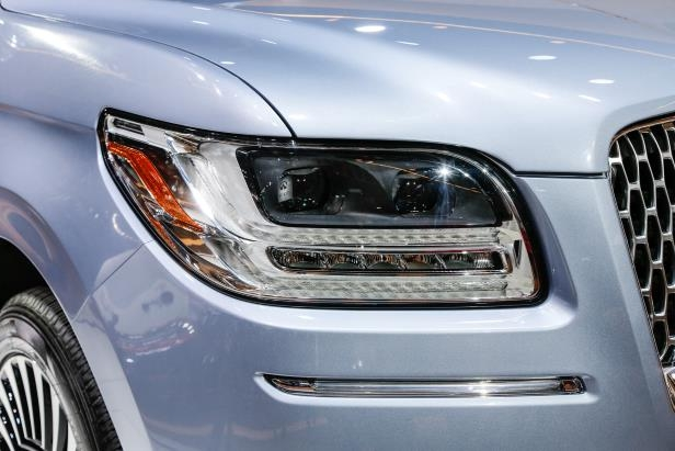 Slide 73 of 84: 2018-Lincoln-Navigator-headlamp.jpg