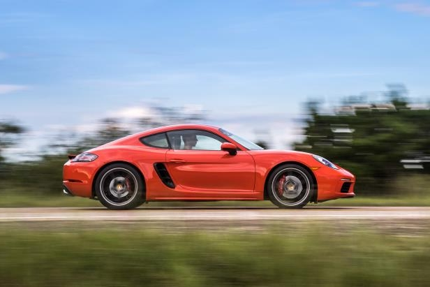 2017 Porsche 718 Cayman side profile in motion