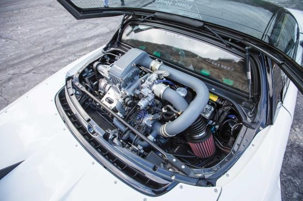 a car engine: 1992 Acura NSX Gruppem Supercharger