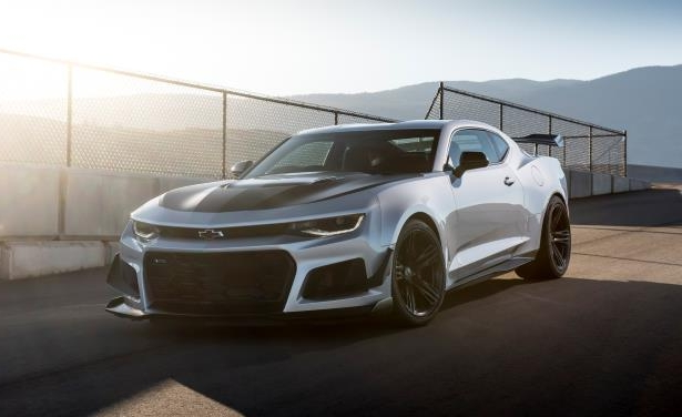 Slide 11 of 29: 2018 Chevrolet Camaro ZL1 1LE
