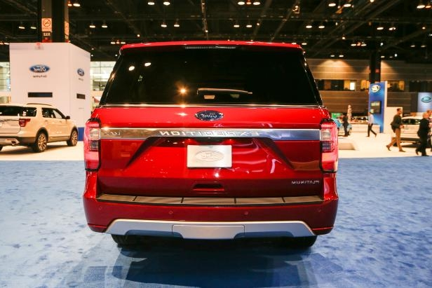 Slide 18 of 61: 2018-Ford-Expedition-Platinum-rear-end.jpg