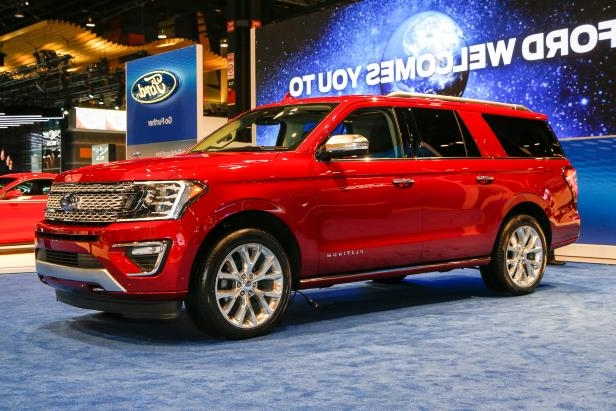 Slide 19 of 61: 2018-Ford-Expedition-Platinum-front-three-quarter.jpg
