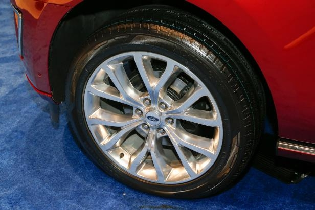 Slide 25 of 61: 2018-Ford-Expedition-Platinum-wheels.jpg