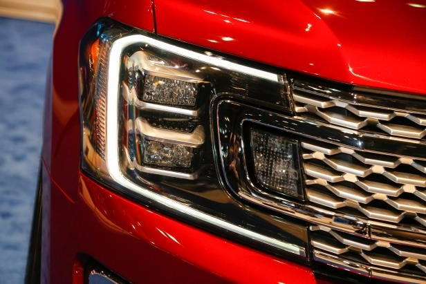 Slide 30 of 61: 2018-Ford-Expedition-Platinum-headlamp.jpg