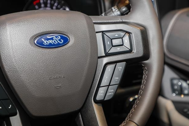 Slide 40 of 61: 2018-Ford-Expedition-Limited-steering-wheel-controls-02.jpg
