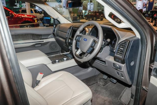 Slide 49 of 61: 2018-Ford-Expedition-Limited-interior.jpg