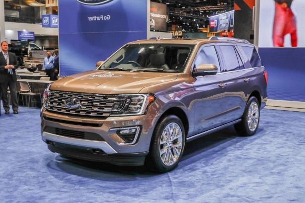 Slide 54 of 61: 2018-Ford-Expedition-Limited-front-three-quarter.jpg