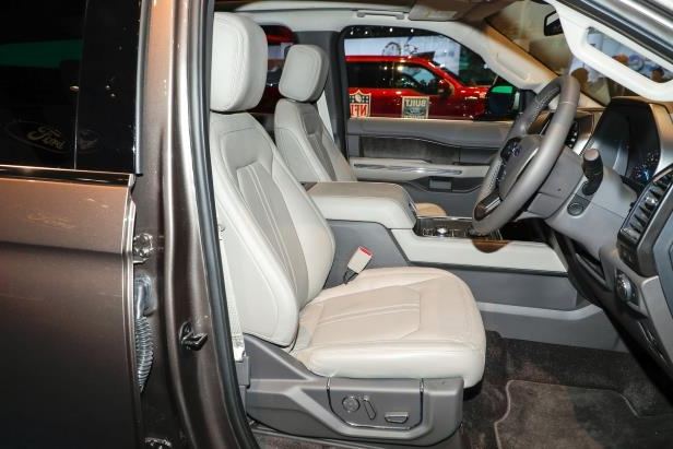 Slide 55 of 61: 2018-Ford-Expedition-Limited-front-interior.jpg
