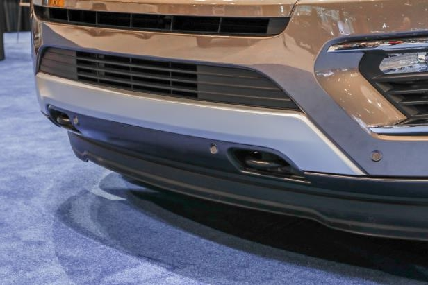 Slide 57 of 61: 2018-Ford-Expedition-Limited-front-bumper.jpg