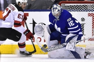 Calm, quiet Frederik Andersen once again bails out Maple Leafs
