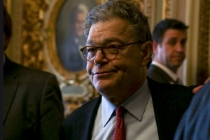 Progressive groups call on Franken to resign amid groping allegations