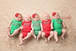 6-Month-Old Quintuplets Dazzle in Cute Christmas Card Photo Shoot