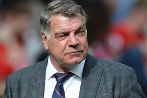 Everton re-open Allardyce talks