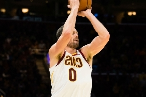 Kevin Love torches Heat for 32 points in first half