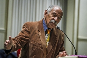 Conyers hospitalized, Pelosi calls on him to resign