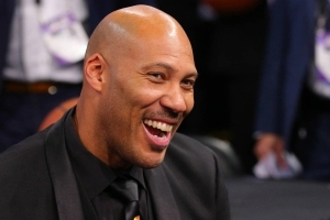 LaVar Ball doubles down on claim that Lonzo is better than Stephen Curry