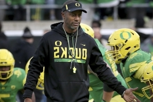 Oregon Offers Willie Taggart New Contract as Florida State Rumors Swirl