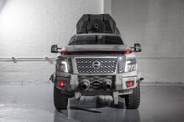 Slide 1 of 21: Star-Wars-Nissan-Titan-front.jpg
