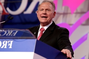 RNC reverses, will support Moore in Alabama