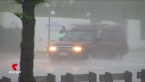 a blurry image of a traffic light: Hail hits Sunshine Coast