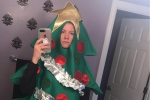 A 20-year-old college student underestimated the power of the internet — and now she has to go to class dressed like a Christmas tree for a week