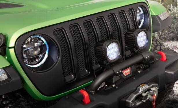 a close up of an engine: 2018 Jeep Wrangler Custom