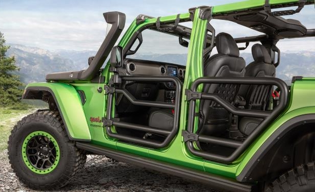 Slide 3 of 22: 2018 Jeep Wrangler Custom