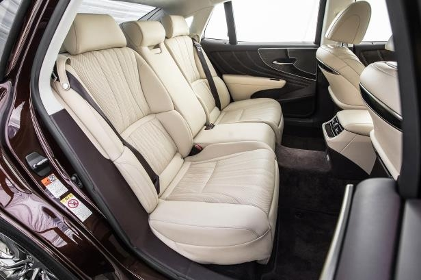 Slide 57 of 146: 2018-Lexus-LS-500-AWD-rear-interior-seats-02.jpg