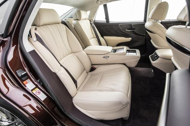 Slide 7 of 146: 2018-Lexus-LS-500-AWD-rear-interior-seats-01.jpg