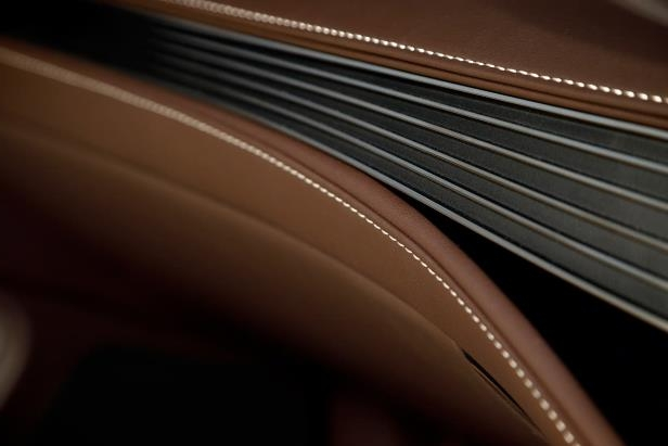 Slide 78 of 146: 2018-Lexus-LS-500-interior-detail.jpg