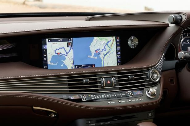 Slide 80 of 146: 2018-Lexus-LS-500-infotainment.jpg