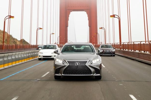 Slide 85 of 146: 2018-Lexus-LS-500-front-view-in-motion-01.jpg