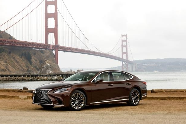 Slide 98 of 146: 2018-Lexus-LS-500-front-three-quarter-02.jpg