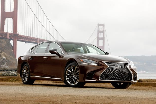 Slide 99 of 146: 2018-Lexus-LS-500-front-three-quarter-01.jpg