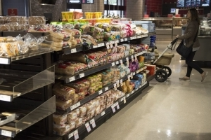 Bread price-fixing: Don't blindly accept Loblaw gift card, law firms warn