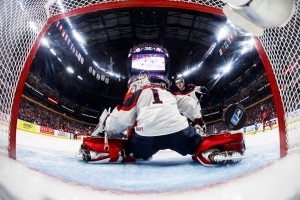 Bundle up: USA-Canada outdoor game a go at World Juniors
