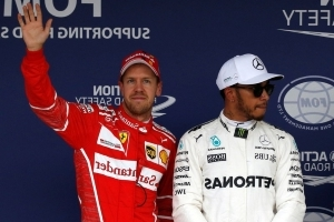 Hamilton joins Vettel in the fight for fifth title