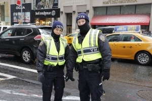 NYPD OKs knit hats for cops in Times Square on New Year's Eve