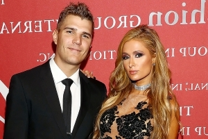 Paris Hilton and Chris Zylka Are Engaged