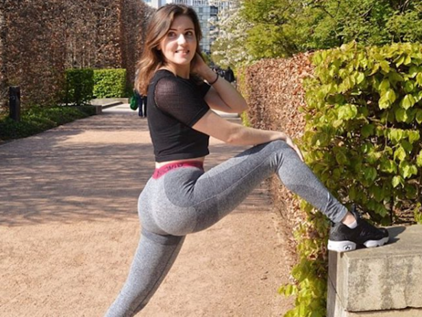 a statue of a woman: Louise Aubery Fitness Blogger