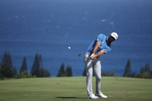 Dustin Johnson 1 back of co-leaders Leishman, Harman at Tournament of Champions