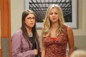 "Kaley Cuoco, Mayim Bialik Do NOT ""Hate Each Other,"" Despite Report"