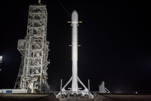 SpaceX Delays Mysterious Zuma Spacecraft Launch to Sunday