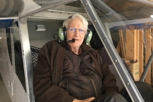 85-year-old retired doctor builds airplane from scratch