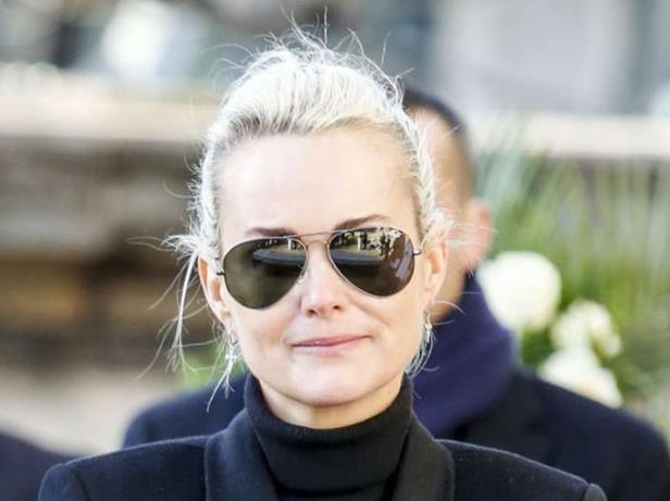 PHOTOS – Laeticia Hallyday, si triste de ne plus aller sur la tombe de Johnny