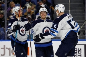 Connor, Ehlers score 2 goals in Jets' 7-4 win over Sabres