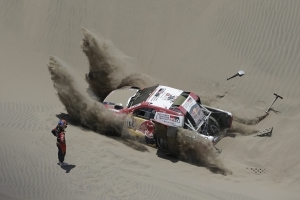 Sunderland out of Dakar Rally, Villas-Boas crashes