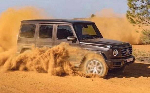 Research: The 2019 Mercedes-Benz G-Class Ditches its Front